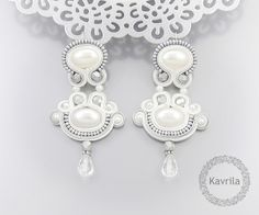 Pendientes colgantes - Sky silver soutache - hecho a mano por Kavrila en DaWanda