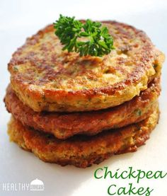 Chickpea Cakes - have to make a few substitutions to make gluten and dairy free, but totally doable (Things To Try Healthy Recipes) Chickpea Cakes, Chickpea Fritters, Chickpea Patties, Chickpea Burger, Lentil Burgers, Healthy Food Blogs, Healthy Snacks, Healthy Recipes, Easy Recipes