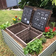Outdoor Projects, Garden Projects, Composting At Home, Composting Bins, Garden Compost, Gardening, Planting, Outdoor Compost Bin, Gutter Garden