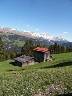 Wir hätten da die passende Alpenkulisse für die nächsten Wanderferien!  www.hotelauszeit.ch www.facebook.com/hotelauszeit www.instagram.com/hotelauszeit
