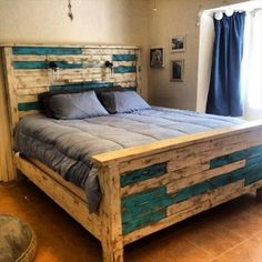 #Pallet Queen Size #Bed - 42 DIY Recycled Pallet Bed Frame Designs | 101 Pallet Ideas - Part 5 - trim down your furniture expenditures, try this DIY pallet sturdy bed frame design at home!: