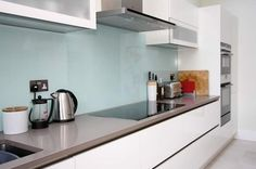 How to Choose Your Coloured Glass Splashback - LWK Kitchens Blog