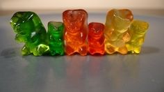 To do: place gummy bears in bowl of vodka, put in fridge for days. the gummy bears will get bigger as they absorb the alcohol. alcoholic gummy bears :D Drunken Gummy Bears, Vodka Gummy Bears, Rummy Bears, Anti Stress Ball, Jelly Babies, Infused Vodka, Jello Shots, Kool Aid, Mixed Drinks