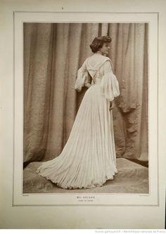 Modes (Paris) 1903  Robe de Diner. Doucet