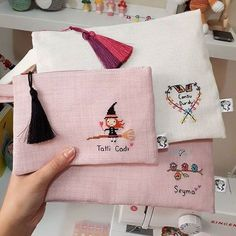 346 Likes, 12 Comments - Seker Diy Embroidery Patterns, Embroidery Bags, Cross Stitch Embroidery, Handmade Bags, Handmade Crafts, Sewing Crafts, Sewing Projects, Fabric Gift Bags, Cross Stitch Designs