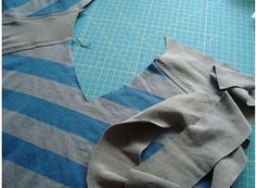 V-Ausschnitt an Shirt oder Pullover
