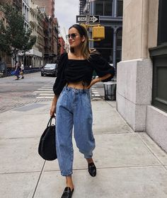 Women Casual Jeans Outfit Corduroy Pants Cheap Joggers Casual Fashion For 50 Year Old Man 2018 Bedazzled Jeans All Black Semi Formal Wearing Dress Pants Casually Slouch Jeans, Slouchy Pants, Baggy Pants Outfit, Look Fashion, Denim Fashion, Fashion Outfits, Fashion Black, Woman Fashion, Fall Fashion