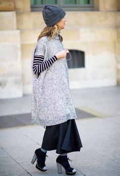 20 Inspiring Sweater + Skirt Looks | 20 Looks pull + jupe inspirants #streetstyle