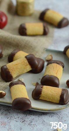 Chocolade hazelnoot bredele - Apocalypse Now And Then Tzatziki Sauce Recipe Easy, Best Christmas Cookies, Christmas Breakfast, Oatmeal Recipes, Healthy Breakfast Recipes, Sweet Recipes, Cookie Recipes, Sweet Treats, Food And Drink
