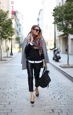 Bartabac : Leather and grey