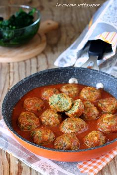 Ricotta spinach balls polpette ricotta e spinaci Veggie Recipes, Vegetarian Recipes, Healthy Recipes, Healthy Cooking, Healthy Eating, Cooking Recipes, Good Food, Yummy Food, Weird Food