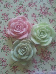 Grote rozen van zeep..