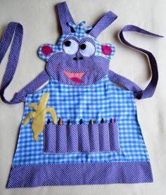 Es común que en preescolar les soliciten a los padres que sus hijos lleven un mandil para proteger su ropa de actividades en las que puedan ...