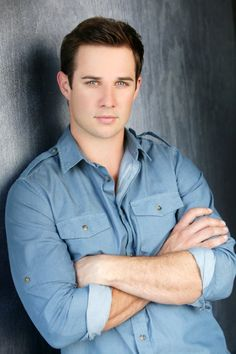 Ryan Merriman. Used to crush in him, badly. He's still beautiful
