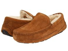 🔥New Ugg Ascot Chestnut moccasin Suede slippers 9 Ugg Ascot, Mens Ascot, Ugg Shoes, Loafer Shoes, Loafers, Mens Ugg Slippers, Uggs With Bows, Winter Shoes, Boys Shoes