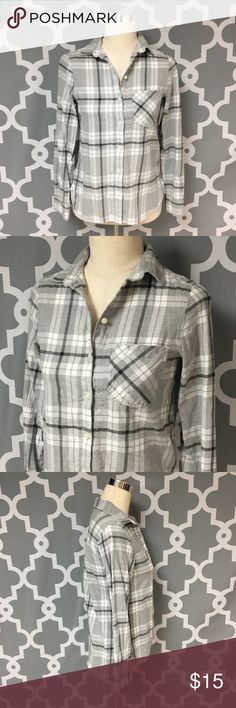 Old Navy Plaid Flannel Button Down Shirt Description: Old Navy Plaid Flannel Button Down Shirt women's size xs good used condition gray and white plaid   Measurements:   Pit to Pit: 18 inches               Inseam: 25 inches                                                        Inventory: A   If you have any questions please feel free to let me know!                                Thanks for stopping by! Old Navy Tops Button Down Shirts