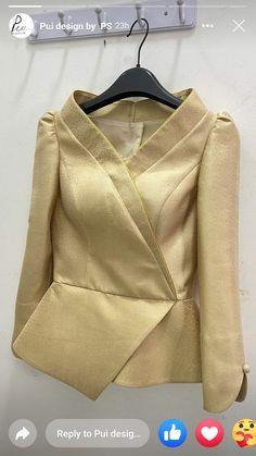 Blouse Batik, Latest African Fashion Dresses, Dress Sewing Patterns, Fashion Sewing, Classy Dress, Unique Outfits, Asian Fashion, Silk Dress, Girls Dresses