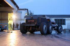 Three-axle two-stroke diesel roadster. Your T-bucket is puny and weak