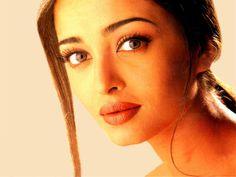 Aishwarya Rai, Miss mundo 1994 (India).    http://www.cafeactual.com/2011/12/fotos-de-aishwarya-rai.html