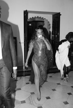 The largest photo gallery for Beyoncé Knowles with pictures, including photoshoots, appearances, performances, candids and more. Beyonce 2013, Beyonce Gif, Beyonce And Jay Z, Pre Wedding Party, Beyonce Style, Online Photo Gallery, Mrs Carter, Beyonce Knowles, My Black Is Beautiful