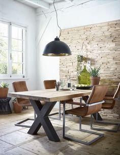 Table style and chair color only stoere eethoek: eetkamertafel Bole, eetkamerstoel Sabine, hanglamp Bola puur