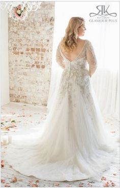 "<a href=""http://rozlakelin.com/boutique/roz-la-kelin-bridal-glamour-plus-collection/acacia"" target=""_blank"">Acacia</a>, Roz La Kelin Glamour Plus Collection"