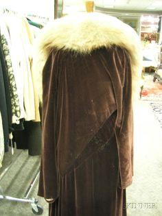 1930 Madeleine Vionnet Burgundy Velvet and Silk Satin Fur Trimmed Evening Coat. Back detail