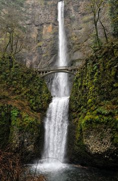The Columbia River Gorge in Photos #Oregon #traveloregon @Travel Oregon Multnomah Falls