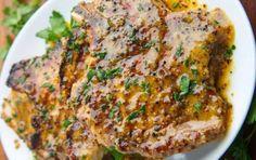 Honey and mustard pork chops . an ideal marinade .- Simple recipe of honey and mustard pork chops! Diner Recipes, Pork Recipes, Cooking Recipes, Healthy Recipes, Recipies, Brown Sugar Pork Chops, Mustard Pork Chops, Bbq Steak, Bbq Pork