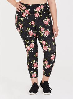 Torrid black leopard & floral crop wicking active legging with pockets. Black Tie Dye, Matches Fashion, Curvy Plus Size, Plus Size Activewear, Black Stripes, Fit And Flare, Plus Size Outfits, Long Sleeve Tees, Pockets