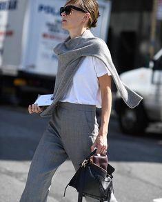 Our new fashion obsession Fashion Editor, Fashion Week, Curvy Fashion, Love Fashion, Autumn Fashion, Womens Fashion, Normcore, Cardigan Blazer, Grey Sweater
