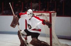 BERNIE PARENT: The goaltender won Stanley Cup Final MVP back-to-back years for the Philadelphia Flyers as the last line of defense for the Broad Street Bullies. - 100 greatest players in NHL history - October 2016 Hockey Goalie, Hockey Players, Ice Hockey, Hockey Girls, Hockey Mom, Bernie Parent, Red Wings Hockey, Philadelphia Sports