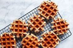 Overripe bananas aren't just for banana bread. Make these Easy Banana Coconut Mochi Waffles instead for a tasty, easy breakfast (great for freezing! Gourmet Desserts, Delicious Desserts, Dessert Recipes, Plated Desserts, Yummy Treats, Breakfast Recipes, Sweet Treats, Quick Easy Desserts, Desserts To Make