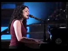 Norah Jones does Drown in My Own Tears as a tribute to Ray Charles