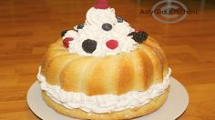 Reteta Tort Savarina Romanian Desserts, Food Cakes, Cake Recipes, Deserts, Cooking Recipes, Sweets, Make It Yourself, Martha Stewart, Videos