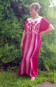 Купить Туника Пионы в малиновых тонах тончайший шелк - Батик, ручная роспись, авторская одежда