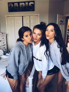 675 best cute friend pictures images in 2019 Cute Friend Pictures, Best Friend Pictures, Cute Friends, Best Friends, Tumblr Bff, Friendship Photos, Friend Poses, Gal Pal, Best Friend Goals