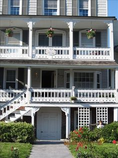 Ocean Grove house rental - The Chelsea just before the garden blooms!