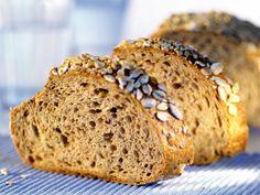Diese nussig-süße Teigware schmeckt wunderbar! Brot mit Sonnenblumenkernen - smarter - Zeit: 30 Min.   eatsmarter.de
