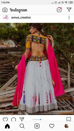 Choli Blouse Design, Saree Blouse Neck Designs, Choli Designs, Garba Dress, Navratri Dress, Stylish Blouse Design, Dress Indian Style, Indian Designer Outfits, Mehndi Digain