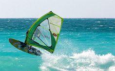 Άη Γιάννης - Μύλοι - Γύρα: Surf, windsurf, kitesurf.