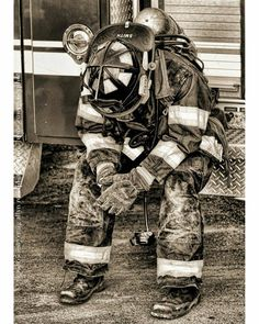 FEATURED POST @smokeshowing911 - - Three Hours In - . . TAG A FRIEND! http://ift.tt/2aftxS9 . Facebook- chiefmiller1 Periscope -chief_miller Tumbr- chief-miller Twitter - chief_miller YouTube- chief miller Use #chiefmiller in your post! . #firetruck #fire