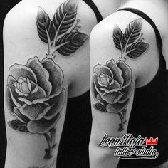 #rosetattoo #rosedotwork #roseblack #roseblacktattoo #blackwork #blacktattoo #dotworktattoo #dotart #dottattoo #tattoo #tattooartist #tattooart #leonrojotattoo