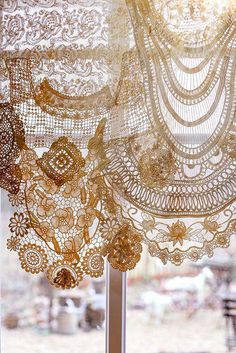 Drapery valance made from antique lace doilies and other lace pieces. This would be beautiful in a cottage or shabby chic space. Antique Lace, Vintage Lace, Vintage Crochet, Lace Doilies, Crochet Doilies, Crochet Curtains, Crochet Lace, Crochet Edgings, Crochet Motif