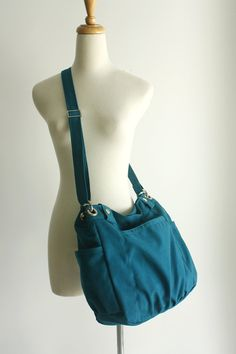 SALE - Anna in Teal // messenger / shoulder bag / diaper bag / School bag / Purse / tote bag / Hobo / women / For her Messenger Bags For School, Mothers Bag, Cosmetic Items, Sale Sale, Big Bags, Handmade Bags, Laptop Bag, Teal Blue, School Bags