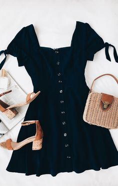 44 Best Casual Slip Dress Outfit Ideas for Spring 2019 67 Source by bigpotatoo Dresses Slip Dress Outfit, Dress Outfits, Dress Clothes, Navy Dress, Work Clothes, Dress Shoes, Cute Casual Outfits, Casual Dresses, Elegant Dresses
