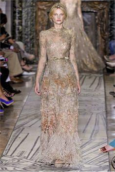 Sfilata Valentino Paris - Alta Moda Autunno Inverno 2011/2012 - Vogue