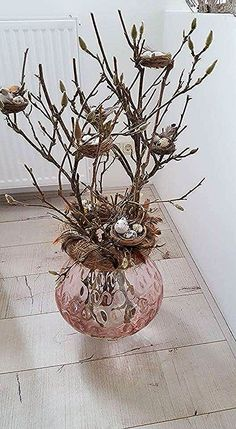 Easter entertainment and decoration 2017 in the picture Re - Easter decoration garden concrete - Trend Dollar Tree Gifts 2019 Spring Crafts, Holiday Crafts, Holiday Decor, Bird Nest Craft, Bird Nests, Easter Flowers, Diy Ostern, Deco Floral, Crafts Beautiful
