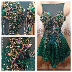 It's finished!! #ballroomdance #ballroomdress #dancesport #fashion #emerald #swarovski #loveloraine