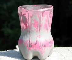 Andere Farbkombinationen wären sicher auch cool! Designer, Shabby Chic, Vase, Home Decor, Color Combinations, Flasks, Colors, Decoration Home, Room Decor